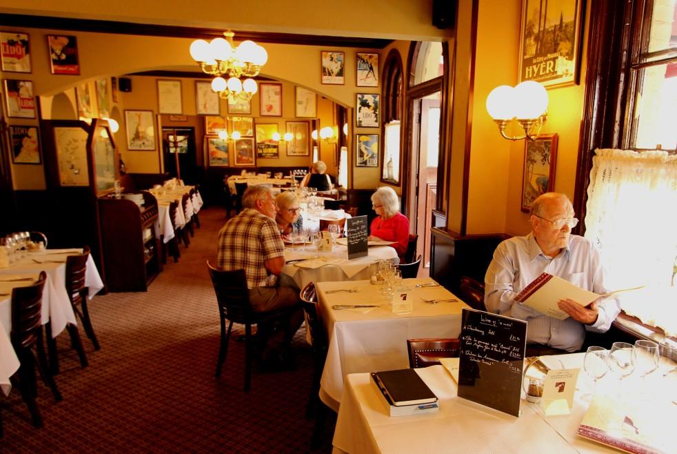 Parisienne Restaurant Romsey 3