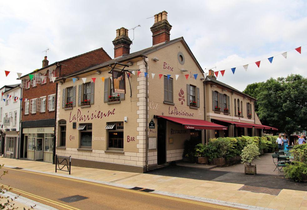 Parisienne Restaurant Romsey 4